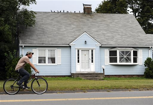 CT House Holds Clues in Hernandez Case