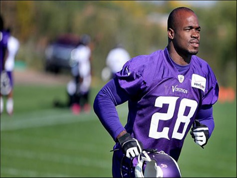 Adrian Peterson Still Not Allowed Back with Vikings After Plea Deal