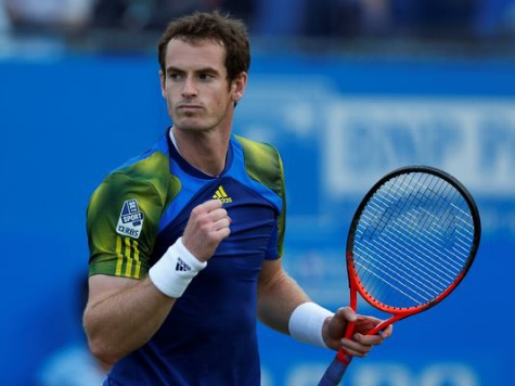 Murray hands Wimbledon lesson to college star