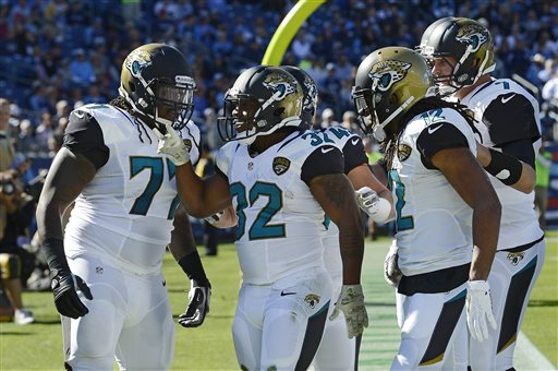 Jaguars Get First Win After Tennessee Loses QB Locker to Injury