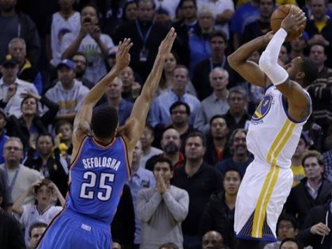 Iguodala Lifts Warriors Past Thunder on Buzzer-Beater 116-115