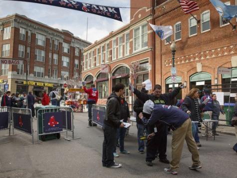 Gun-Free Zones: MLB Will Require Stadiums to Employ TSA-like Screening by 2015