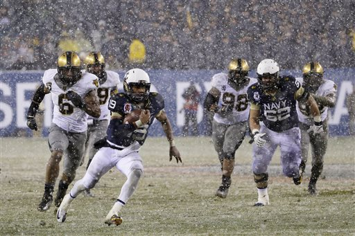 Reynolds, Navy Run to 34-7 Win over Army