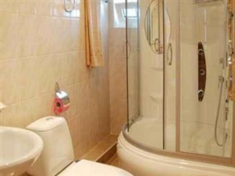 Russia's Deputy PM Reveals Sochi Hotels Have Spy Cameras in Showers