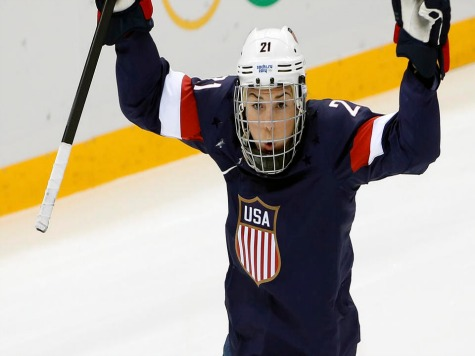 Team USA Women's Hockey Defeats Finland 3-1