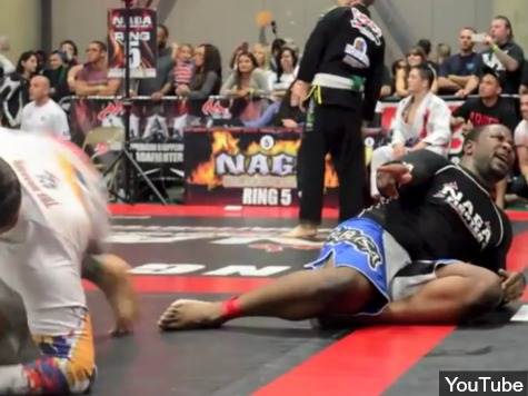 Man Submits at NAGA Grappling Championship When Opponent Farts in His Face