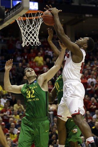 West: No. 2 Wisconsin Wins 85-77 Thriller over No. 7 Oregon
