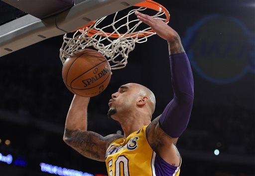 Lakers Drop 51 in 3rd quarter, Blast Knicks 127-96