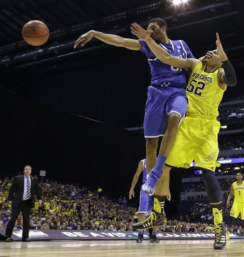Harrison Lifts Wildcats to 75-72 Win Over Michigan, Final Four