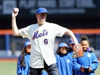 Crowd Boos NYC Mayor Bill de Blasio During First Pitch At Mets Game