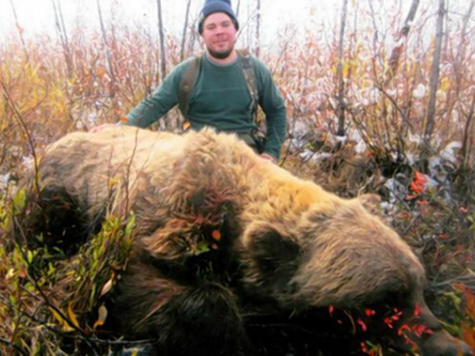 Hunter Shoots World Record Grizzly Bear