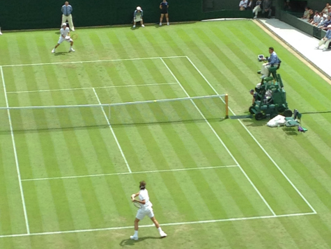 Roger Federer Flies to Second Round in Wimbledon