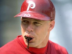 Commissioner Wants MLB Tobacco Ban, Players' Association Honcho Resists