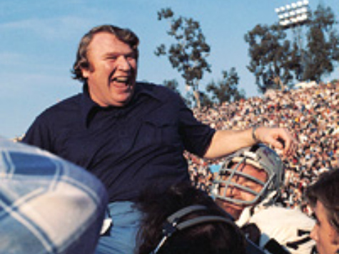 John Madden 'Would Not Get Caught Up in That Stuff' on Redskins