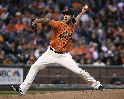 Bumgarner Wins 5th in a Row, Giants Rout Dodgers 9-0