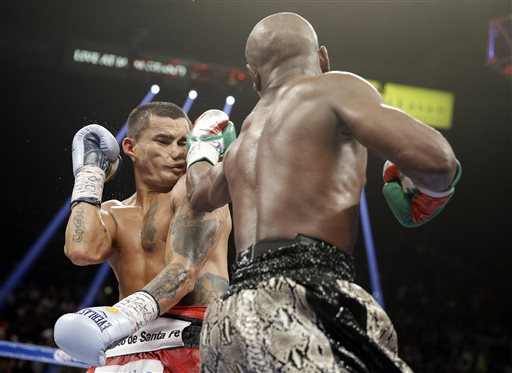 Mayweather Remains Unbeaten with Decision Win