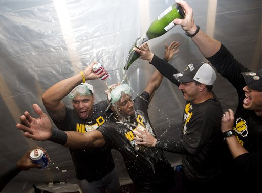 Pirates Clinch Playoff Spot, Beat Braves 3-2