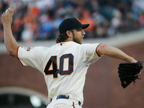 Bumgarner, Giants Blank Royals for 3-2 Series Lead