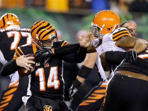 Cleveland Browns Dominate Bengals 24-3, Move into 1st Place