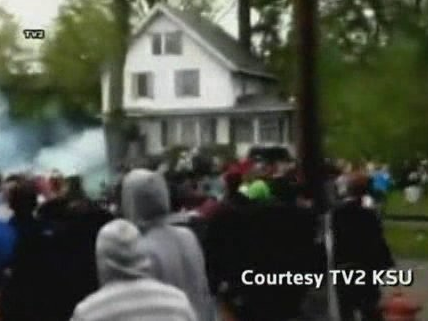 Police, Students Clash Near Kent State University