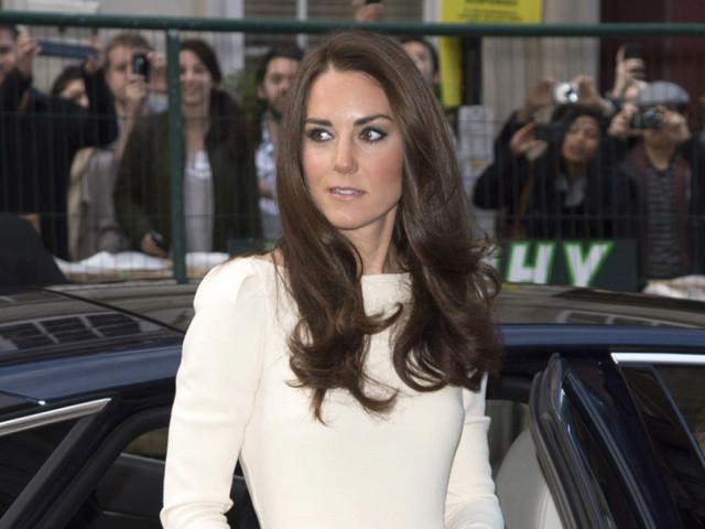 Kate Middleton's Thigh-High Slit