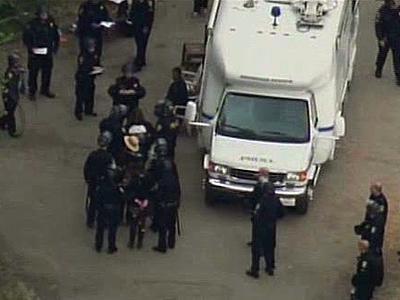 Univ. Police Raid Berkeley Occupy Camp