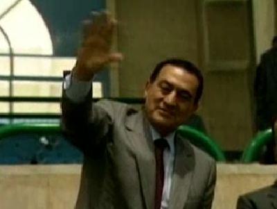 Egyptian Ex-President Mubarak Unconscious On a Respirator