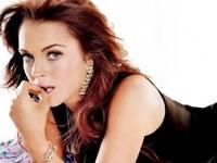Lindsay Lohan Makes Crew Strip Down