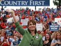 CNN Plays 'Stupid Girls' Before Sarah Palin Story