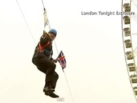 London Mayor Gets Stuck on Zipline