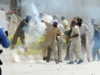 Police Open Fire On Pakistan Protesters