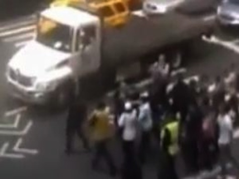 Ahamadinejad Spokesman Gets Ambushed on NY Street by Iranians