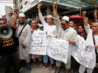 Protests Heat Up At Embassies In Pakistan, Philippines