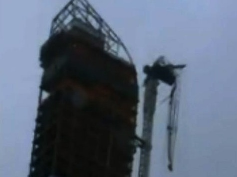 High Winds From Sandy Cause Midtown Crane Collapse