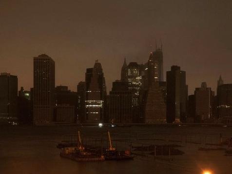 Video: New York Skyline In Darkness