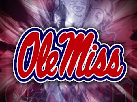Police Pepper Spray Ole Miss Students Protesting Obama's Re-Election