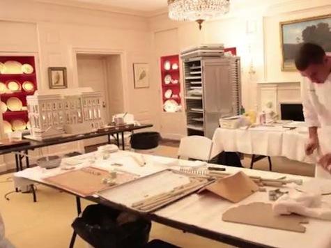 White House Creates 300-Lb. Gingerbread House