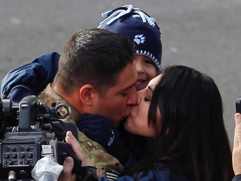 Soldier Reunited With Family During Emotional Rose Parade Reunion