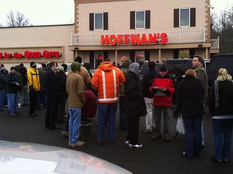 Hundreds Rush To CT Gun Store To Buy Semi-Automatic Rifles