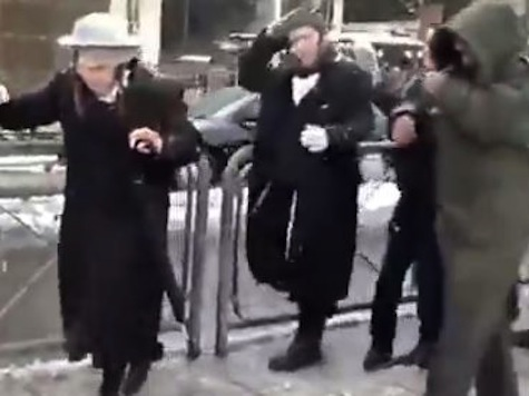 Palestinians Attack Jews Kicking, Pushing And Throwing Ice And Snow In Jerusalem