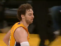 Pau Gasol's Kneeling Globetrotter Assist