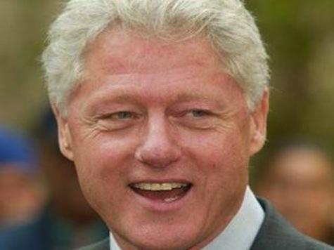 Clinton Gives Jovial Opening At Bush Library