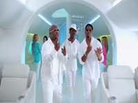 Boyz II Men Stars In New Old Navy Commercial