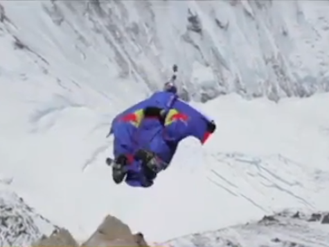 VIDEO: Man Jumps Off Everest In Wingsuit