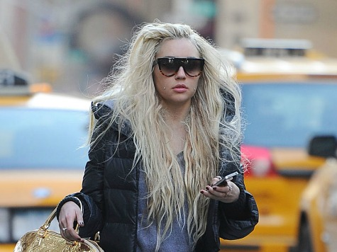 Amanda Bynes Evicted, Gets Nose Job, Calls Dad Ugly