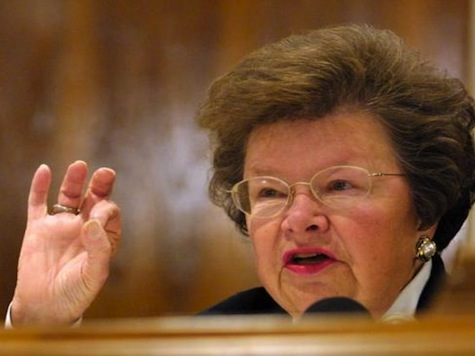 Senator Interrupts NSA Hearing To Respond To Tweets