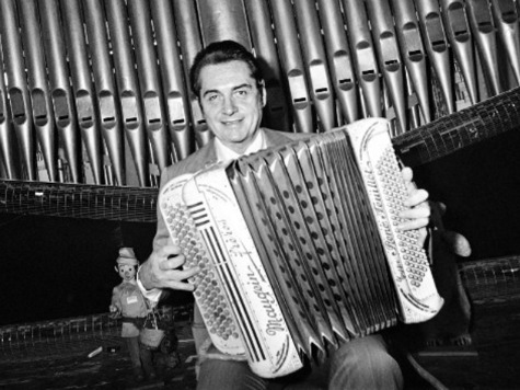 Hundreds at Funeral of French Accordian Legend