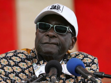 Mugabe Vows to 'Surrender' if He Loses Zimbabwe Vote