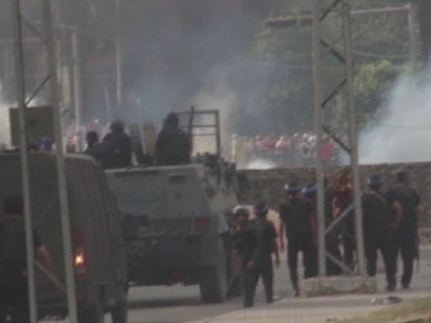 Egyptian Troops Move Against Pro-Morsi Sit-Ins