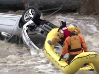 Amazing Rescue of Man Caught in Flooded Upside-Down Car